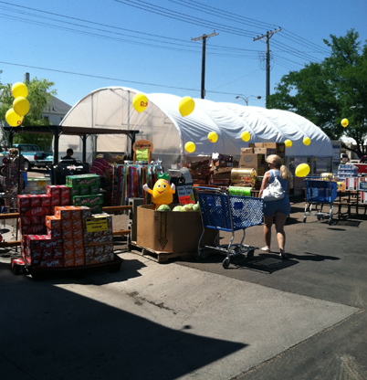 Outdoor Truckload Produce Sale